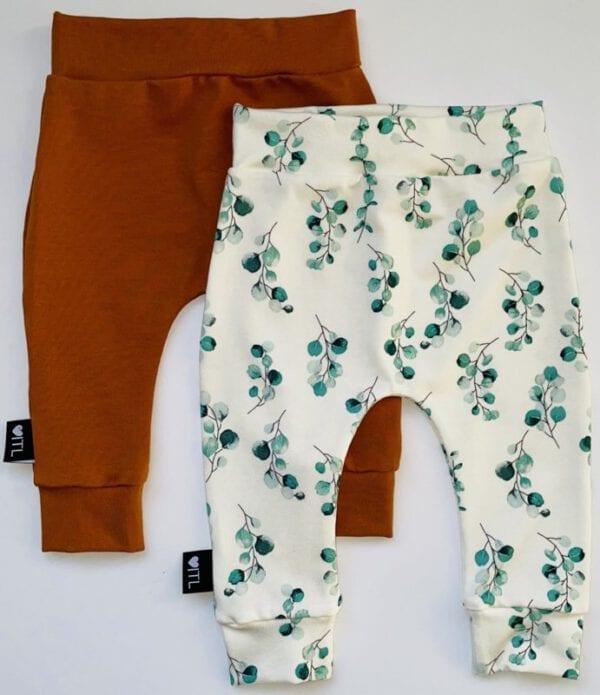 TessLiva-handgemaakte-baby-kinderkleding-Set-combi-deal-broekjes-Dusty-flowers-groen-en-Cognac