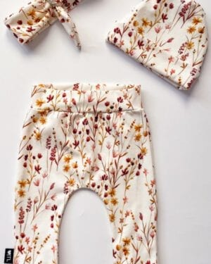 TessLiva-handgemaakte-baby-kinderkleding-Set-newborn-broekje-en-haarband-of-mutsje-(zelf-samenstellen)