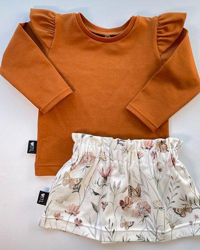 TessLiva-handgemaakte-baby-kinderkleding-Set-paperbag-skirt-flowers-and-butterfly-met-longsleeve-cognac