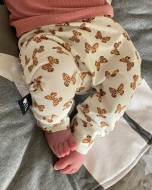 TessLiva-handgemaakte-baby-kinderkleding-broekje-mini-vlinder