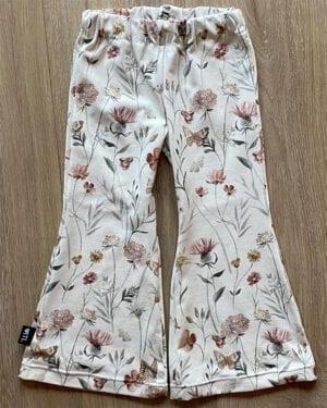 TessLiva-handgemaakte-baby-kinderkleding-flared-pants-flowers-and-butterfly