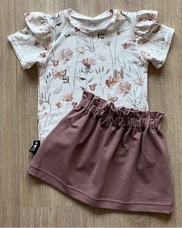 TessLiva-handgemaakte-baby-kinderkleding-Set-shirt-flowers-butterfly-bpaperbag-skirt-oud-mauve