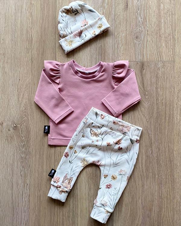 TessLiva-handgemaakte-baby-kinderkleding-Set-Broekje-Mutsje-flowers-butterfly-Shirt-oud-roze