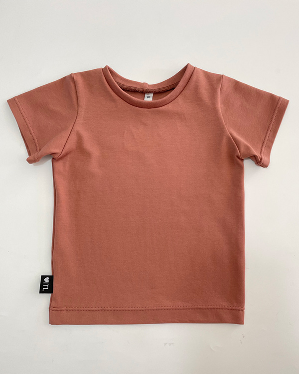 TessLiva-handgemaakte-baby-kinderkleding-shirt-ruffles-klei-roze